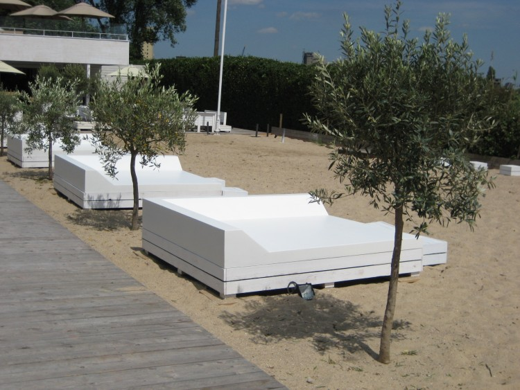 Beach club cabane